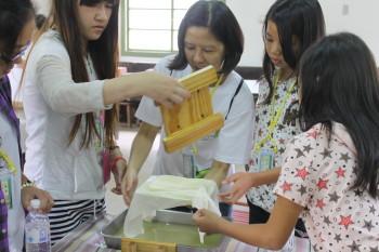 豆腐的滋味 勵馨基金會 豆腐完成了