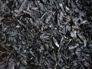 竹子燒製成的生物炭